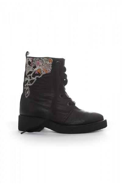 Boot Rosamunda